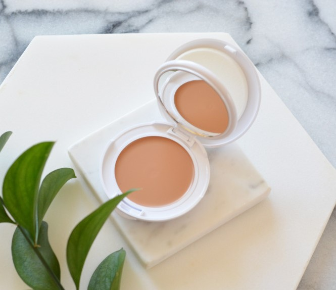 Kem chống nắng Avene MINERAL High Protection Tinted Compact- Honey