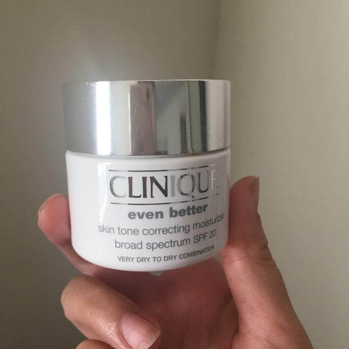 Kem dưỡng CLINIQUE Even Bette Skin Tone Correcting Moisturizer Broad