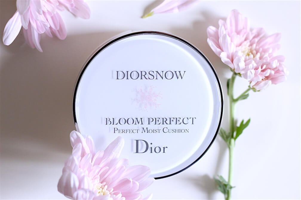 Phấn nước Diorsnow Bloom Perfect Moist Cushion