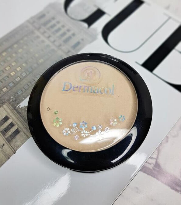 phan-phu-dermacol-make-up-mineral-compact-powder-03