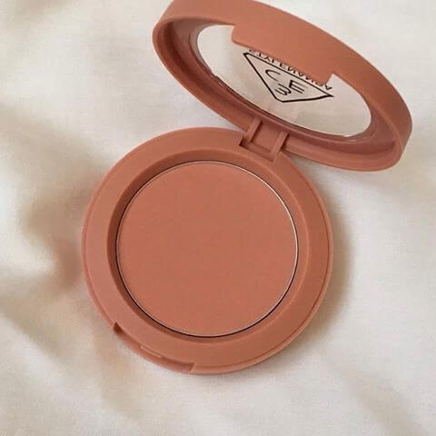 son-mau-3ce-makeup-mood-recipe-face-blush-rose-beige-03