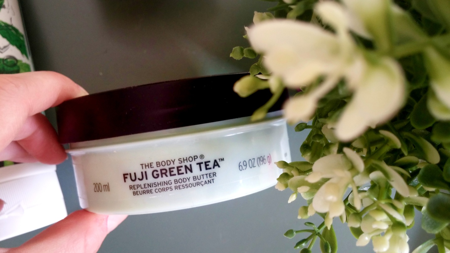Dầu dưỡng TheBodyShop FUJI GREEN TEA REPLENISHING BODY BUTTER 200