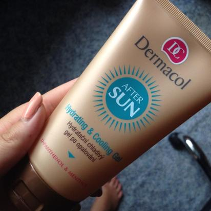 gel chống nắng Dermacol Suncare Hydrating & cooling gel