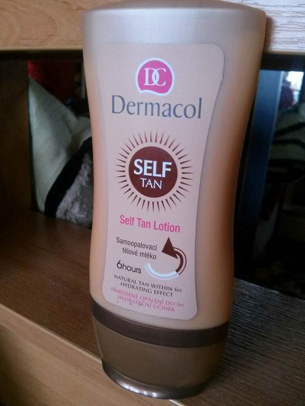 kem-chong-nang-dermacol-suncare-self-tan-lotion