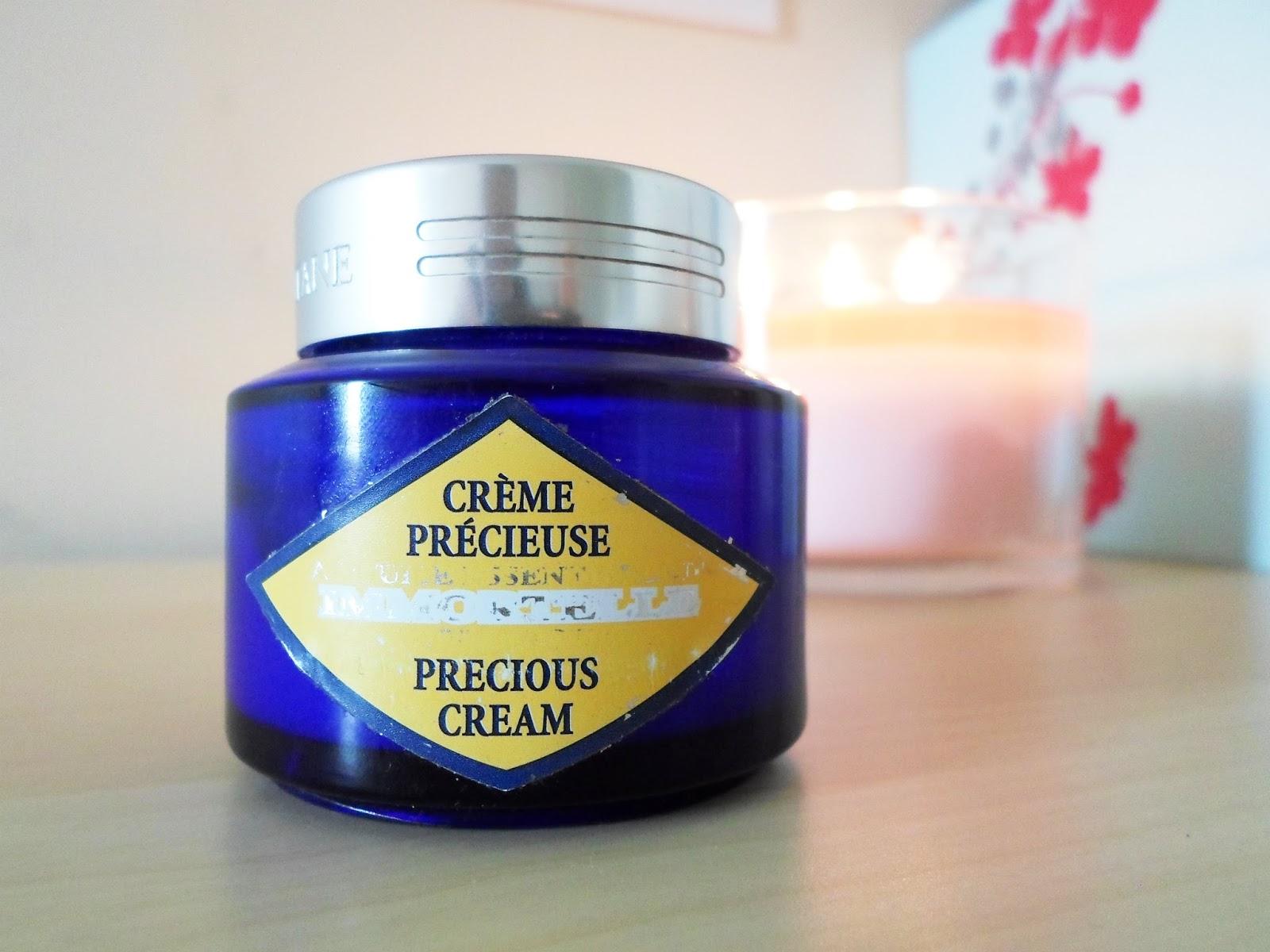 kem-duong-da-ban-ngay-loccitane-cham-soc-da-precious-cream-spf-20-03