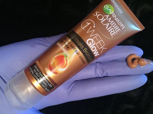 Kem dưỡng Garnier Body Natural bronzer 1 Week Glow