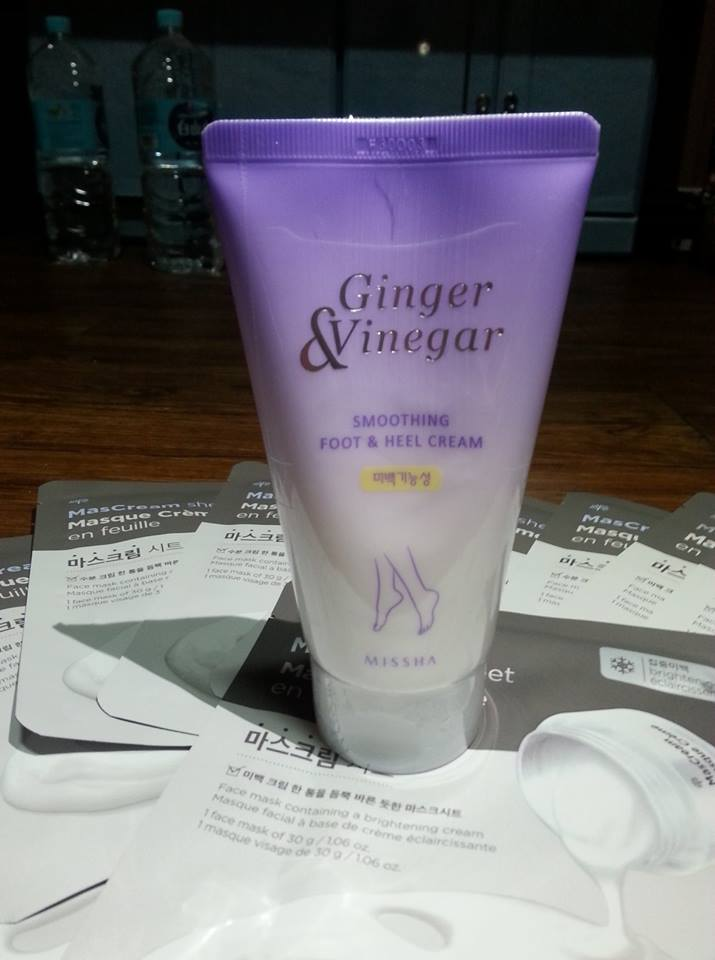 kem-duong-missha-skincare-ginger-vinegar-smoothing-foot-heel-06