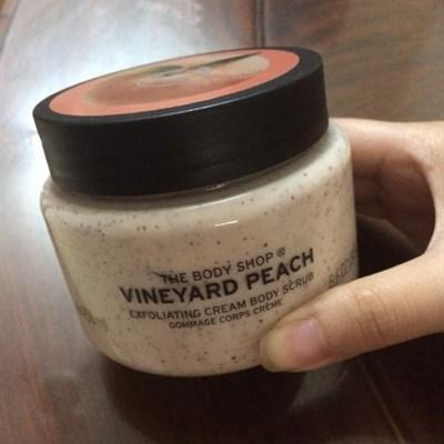 Kem tẩy tế bào chết Vineyard PEACH EXFOLIATING CREAM 250ML