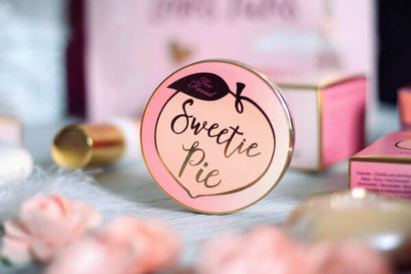 phan-mat-toofaced-sweetie-pie-bronzer-01