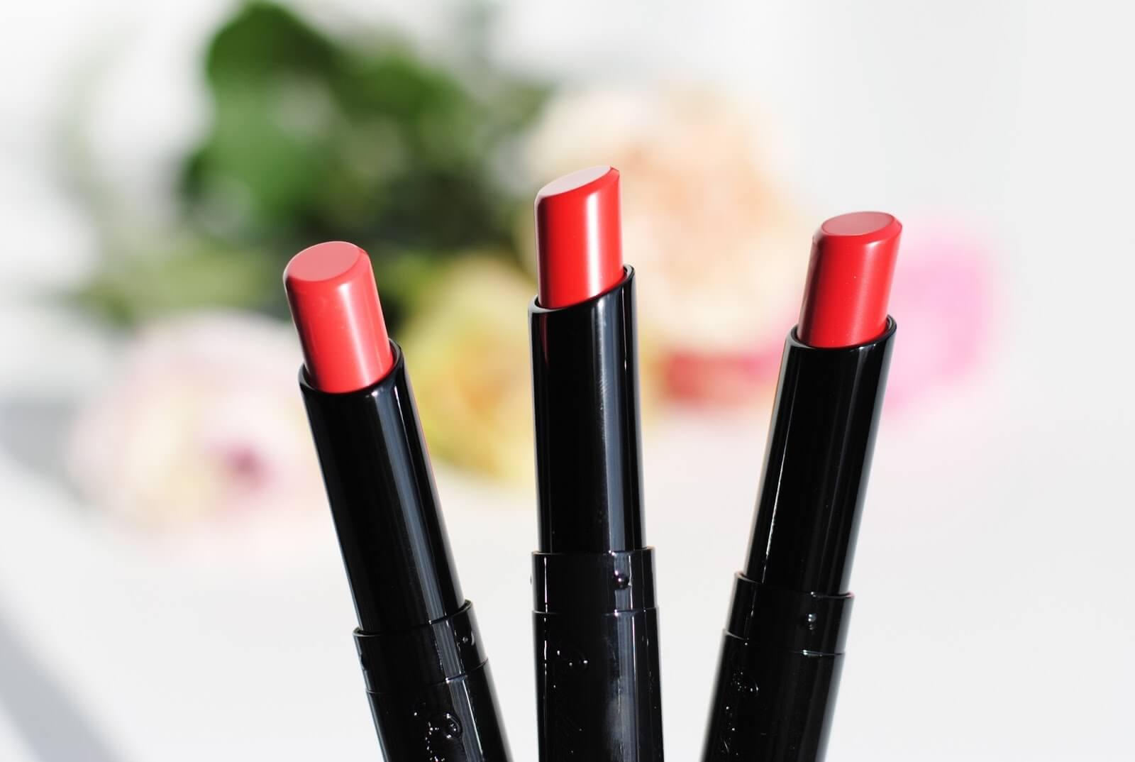 Son môi cao cấpGuerlain La Petite Robe Noire Deliciously Shiny Lip Color