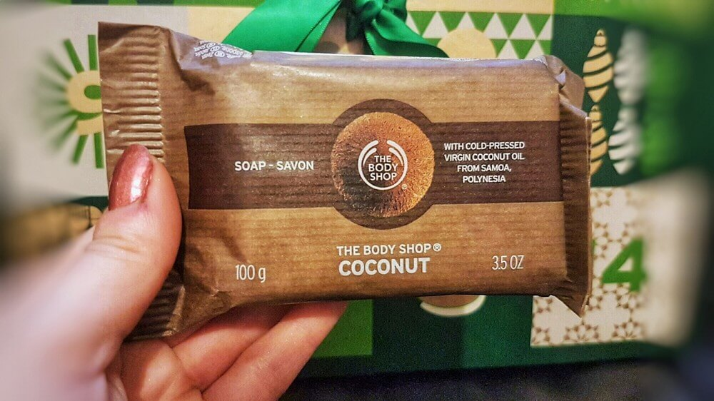 xa-phong-thebodyshop-coconut-soap-06