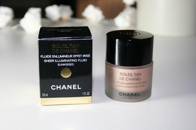 phan-chanel-trang-diem-mat-sheer-illuminating-fluid-01