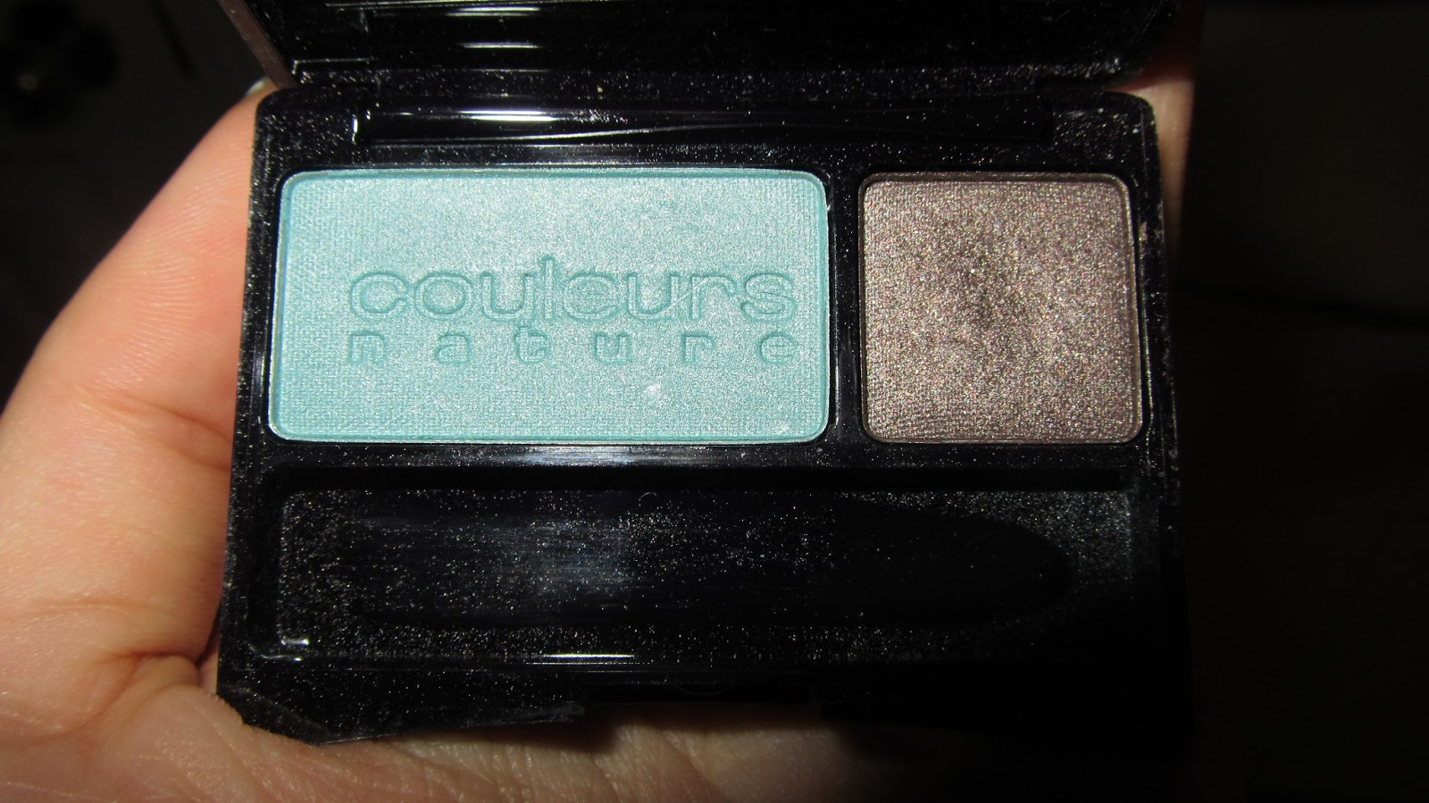 phan-mat-yves-rocher-trang-diem-mat-intense-color-duo-eyeshadow-06