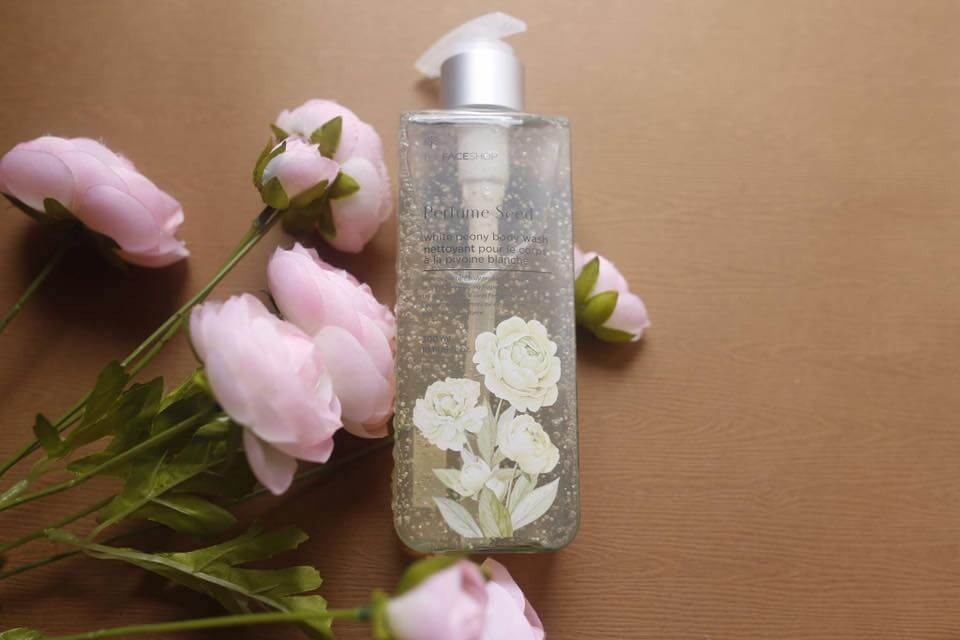 sua-duong-the-thefaceshop-perfume-seed-white-peony-body-wash-002