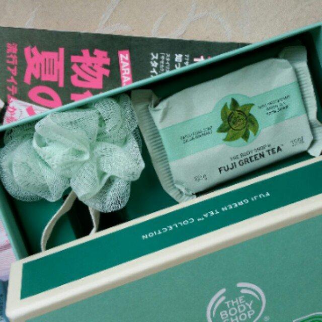 Xà phồng TheBodyShop Chăm sóc body FUJI GREEN TEA™ EXFOLIATING SOAP