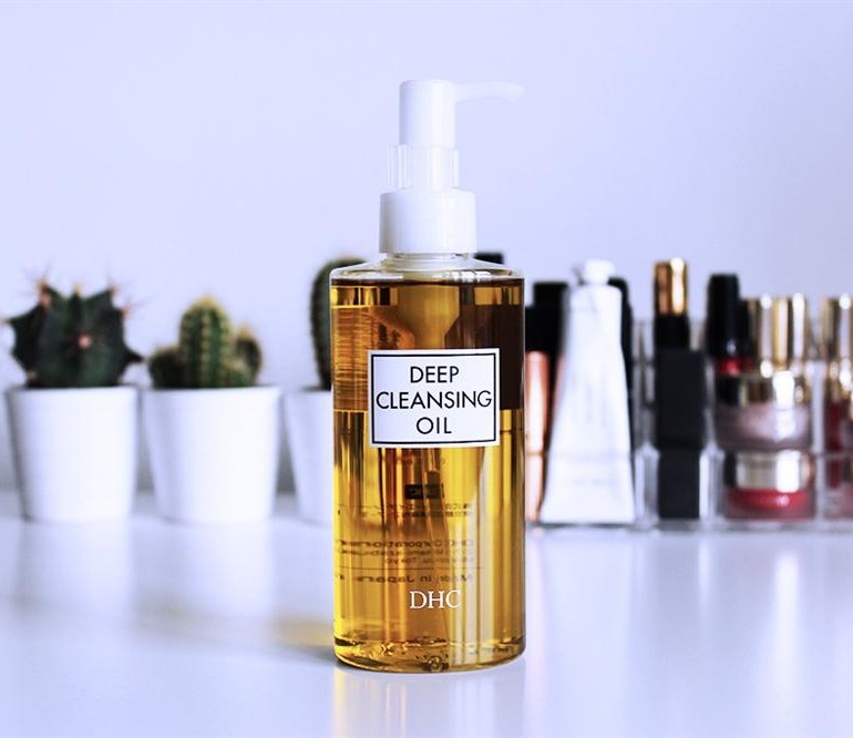 DHC-Deep-Cleansing-Oil-03
