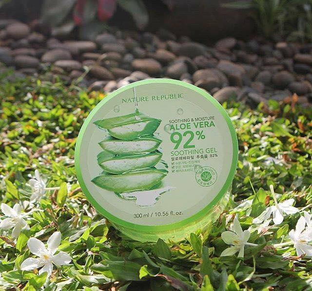 Soothing-Moisture-Aloe-Vera-92-Soothing-Gel-01