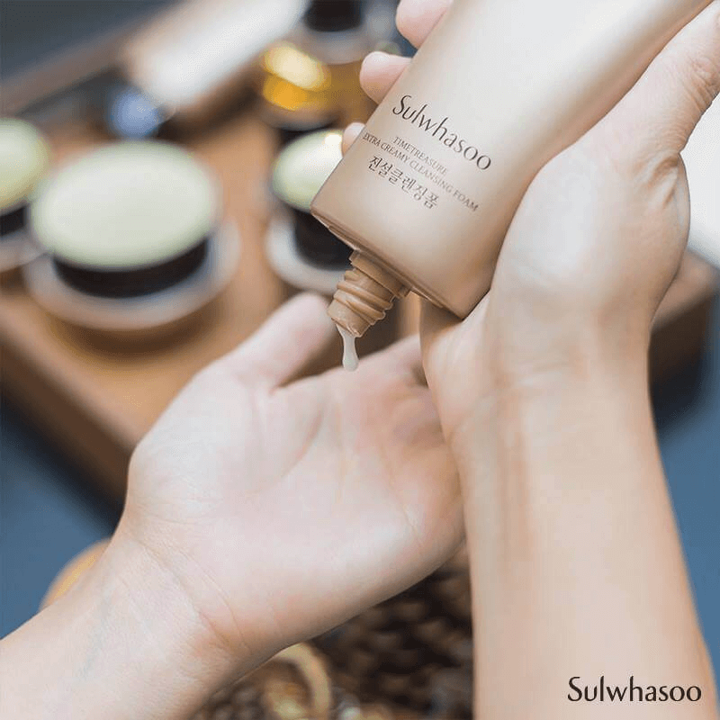 Sữa rửa mặt Sulwhasoo thông đỏ Timetreasure Extra Creamy Cleansing Foam