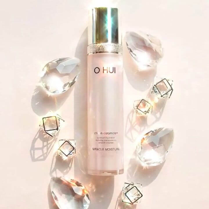 phep-mau-cho-lan-da-voi-tinh-chat-ohui-miracle-moisture-essence-02