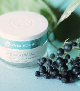 24h-rich-hydrating-cream-yves-rocher-anti-aging-day-care-03
