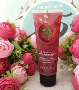 kem-tay-te-bao-chet-thebodyshop-strawberry-body-polish-200ml-01