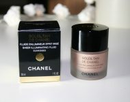 phan-chanel-trang-diem-mat-sheer-illuminating-fluid-01