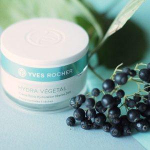 Kem dưỡng ẩm da chuyên sâu Anti-aging Day Care 24H Rich Hydrating Cream cho làn da căng mọng suốt ngày dài