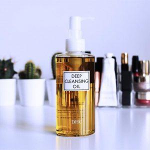 DHC Deep Cleansing Oil liệu có phải tẩy trang chuẩn nhất cho da nhờn?
