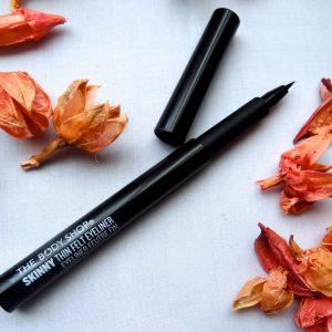 Biến hóa đôi mắt quyến rũ cùng đường eyeliner The Body Shop SKINNY THIN FELT EYELINER.