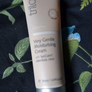 Cấp nước cho da trong vòng 1 phút với kem dưỡng ẩm Trilogy Very Gentle Moisturising Cream