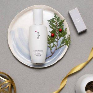 Có gì trong sữa dưỡng Sulwhasoo Snowise Brightening Emulsion làm da trắng sáng khiến chị em mê mẩn?