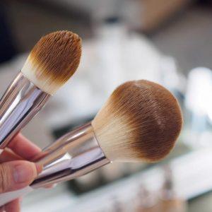 Cọ trang điểm La Mer The Foundation Brush – đánh lên sự tươi sáng cho làn da
