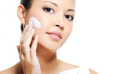 Phải làm gì khi da mặt sần sùi khiến bạn mất tự tin?