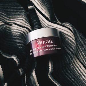 Gel dưỡng Murad giữ ẩm Nutrient-Charged Water Gel, hãy xem cách nó hoạt động ra sao!