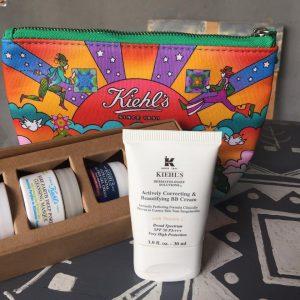Kem dưỡng Kiehl's BB Cream – Actively Correcting and Beautifying – tích hợp 2 tính năng trong một sản phẩm .