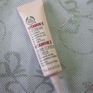 Kem mắt The Body Shop ngăn ngừa nếp nhăn Vitamin E Eye Cream loại bỏ nếp nhăn mắt, không dễ!