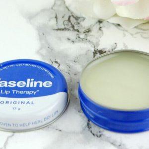 [Review] Son dưỡng môi truyền thống LIP THERAPY® ORIGINAL MINI – bí quyết để đôi môi thêm mềm mại!