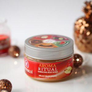 """Dermacol Aroma ritual embracing body scrub """"ôm ấp"""" cơ thể với hương táo và quế"""