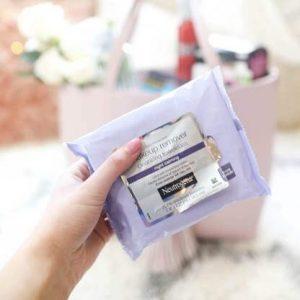 Để làn da bạn được thư giãn cùng Neutrogena Makeup Remover Cleansing Towelettes-Night Calming