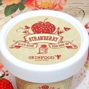 Mặt nạ Skinfood tẩy tế bào chết Strawberry Black Sugar Wash-off Mask – ngọt ngào!