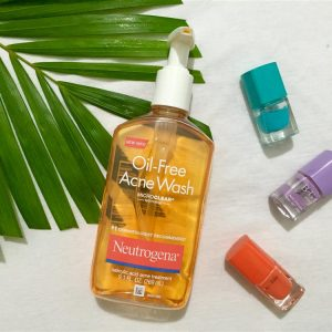Sữa rửa mặt Neutrogena Oil-Free Acne Wash – ai bị mụn cũng nên có!
