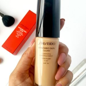 [Review] Phấn nền thông minh Shiseido Synchro Skin Glow Luminizing Fluid Foundation!