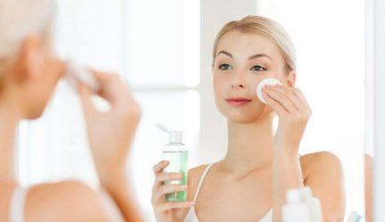 Sau khi lột mụn xong nên làm gì để không tổn thương da?