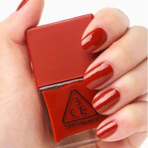 """Sắc đỏ """"biến tấu"""" cùng 3CE RED RECIPE LONG LASTING NAIL LACQUER cho bộ nail xinh đẹp"""