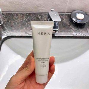 Sữa rửa mặt Hera Creamy Cleansing Foam tẩy trang, làm sạch sâu, dưỡng ẩm da toàn diện