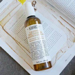 Sữa rửa mặt Kiehl's Calendula Deep Cleansing Foaming Face Wash: cứu tinh cho da dầu!