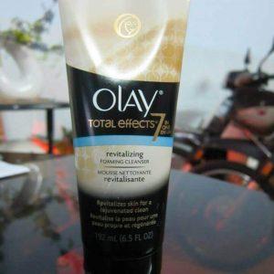 Sữa Rửa Mặt Olay  Total  Effects Revitalizing Effoaming  Face Cleanser- Làm Sạch Da và Ngăn Ngừa Lão Hóa.