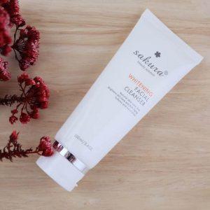 Sữa rửa mặt Sakura làm trắng da Whitening Facial Cleanser – Đây có phải là sự lựa chọn đúng đắn?