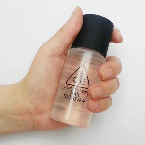 Vệ sinh móng hiệu quả cùng nước tẩy sơn móng tay NAIL REMOVER 3CE.