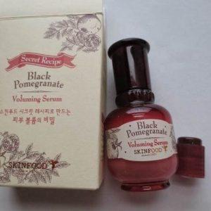 Tinh chất Skinfood dưỡng da Black Pomegranate Voluming Serum – Mùa đông không lạnh